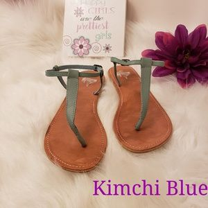 Kimchi Blue womens size 8 leather sandals
